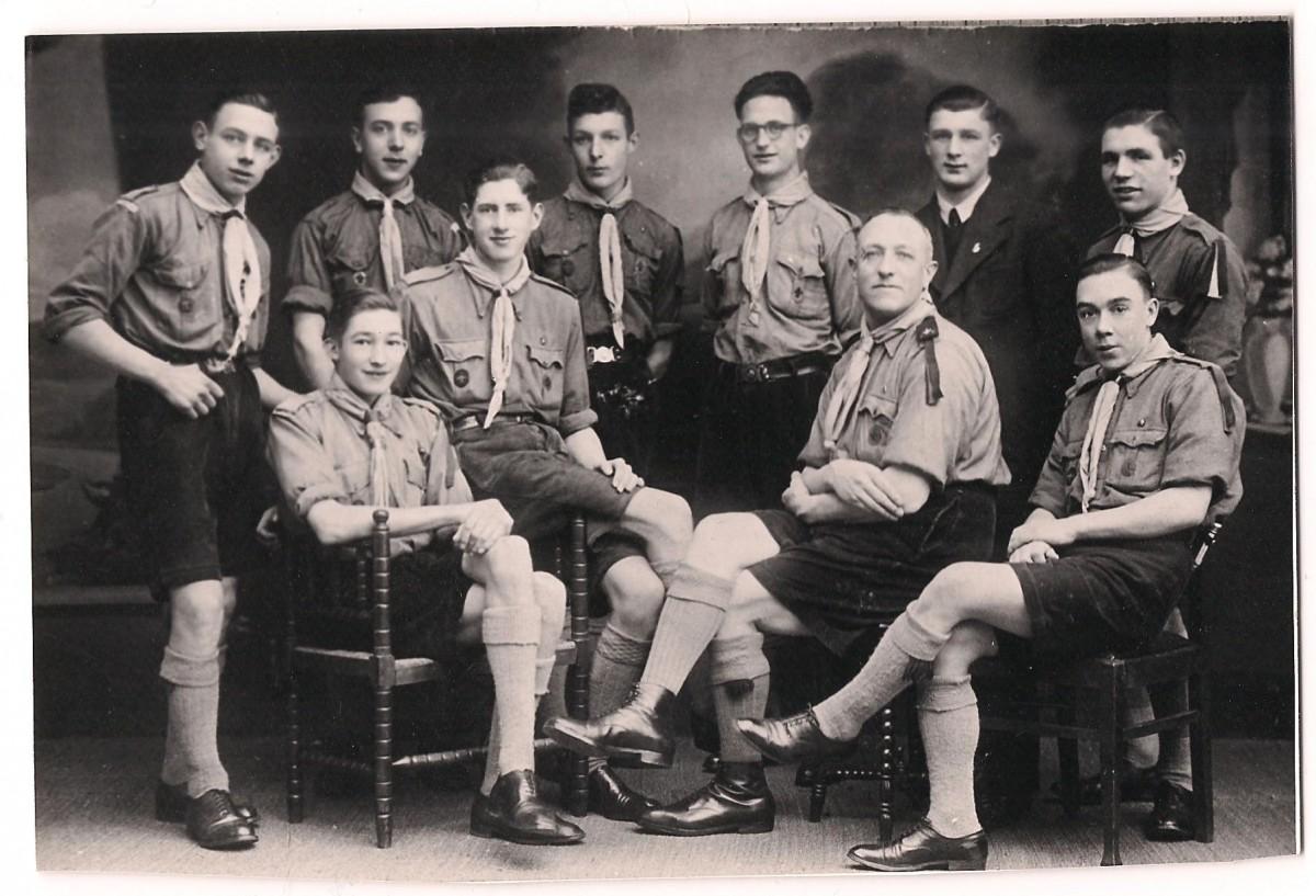Voortrekkers Don Boscogroep met oûbaas Schoones, 1938