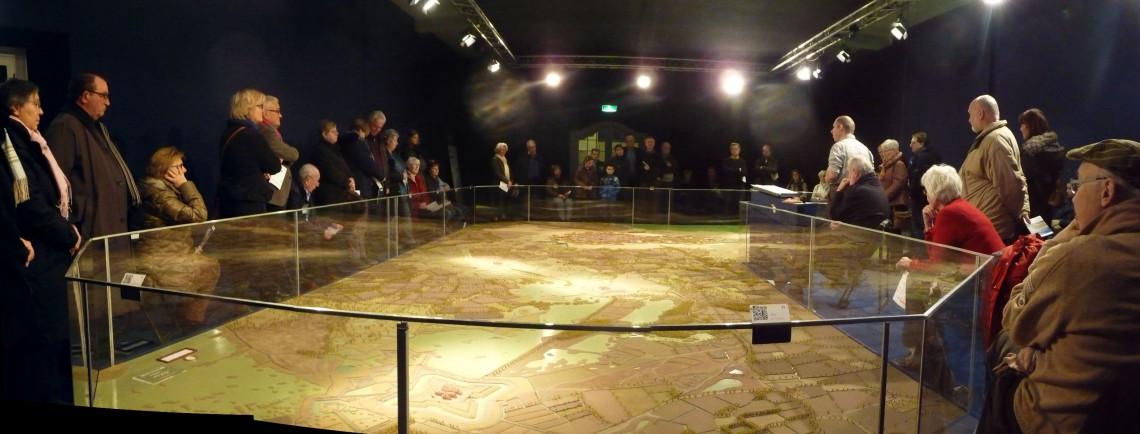bezoek aan de maquette in januari onder leiding van Paul Versijp