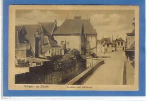 De Grebbe achter het spuihuis. Rechts is het begin van de Dubbelstraat te zien. Dit was het laatste open deel van de Grebbe en werd in de jaren '50 als laatste overkluisd.