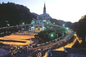 Lourdeslichtprocessie
