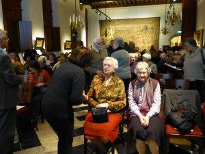Twee 'zusters van 't Katrientje' waren persoonlijk aanwezig om de lezing te horen