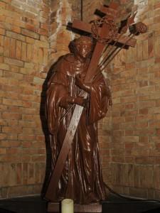 Vóór de bekende autozegening kende Hoeven een bedevaart naar St Bernardus van Clairvaux. Boerengezinnen uit heel Brabant kwamen om een meegebracht tarwe- of roggebrood te laten zegenen tegen reumatiek, maar ook het vee kreeg het te eten tegen ziekten