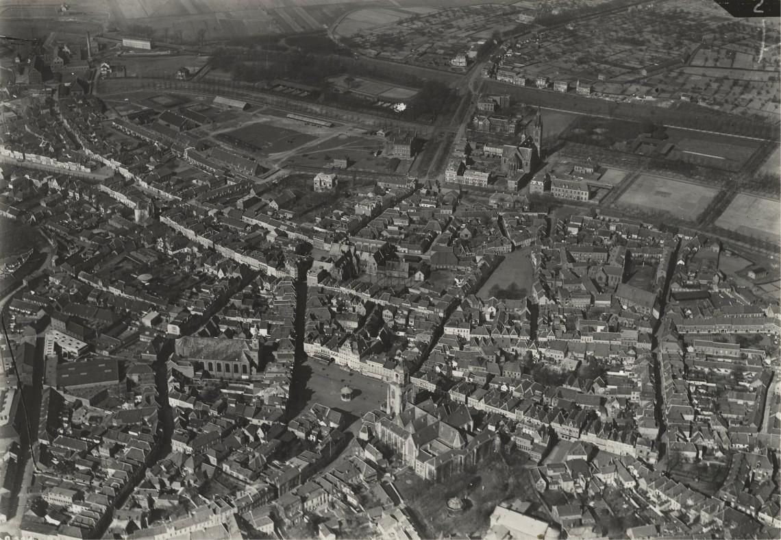 1906-1933 Luchtfoto Centrum BoZ ri NW