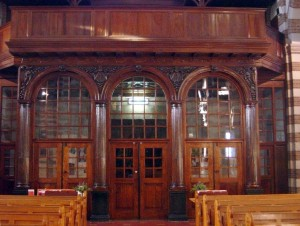 De afsluiting van het portiek is eveneens afkomstig uit de Martinuskerk