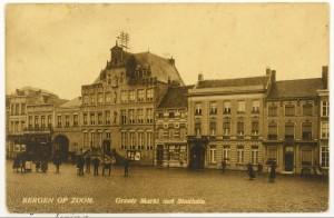 In 1913 is Grote Markt no 5 nog een gesloten woonhuis SGRN049