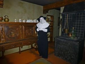 Justus Turcq in zijn laboratorium, gekleed om een pestlijder te bezoeken