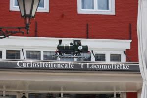 Dit locomotiefke komt oorspronkelijk uit de Zuivelstraat...