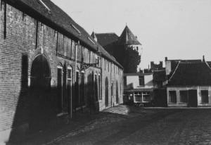 Een sprekend voorbeeld is de afbraak van Blokstal I, waarmee tevens de Nieuwe Markt van 1525 defintief uit het stadsbeeld verdween ten behoeve van de nu alweer tekort schietende Westersingel