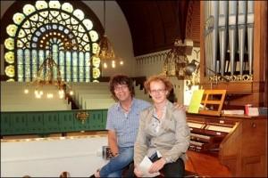 """Sander Wassing (r) en Simon Stelling bij een gezamenlijk orgel en poëzieproect """"Muzikale Tijdsmo(nu)menten"""" tijdens de Open Monnumenten dagen 2012"""