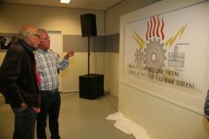 Gijs Asselbergs geeft als SIEB lid een toelichting aan Willem Hoedelmans